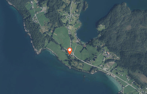 Den første meldingen fra politiet forteller at ulykken har skjedd ved Halsnøy Kloster.