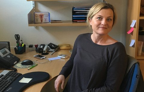 JORDMOR ANNETT: Stadig flere kommuner ser viktigheten av å ha jordmødre. I Sveio har jordmor Annett Semb Helviks stillingsprosent blitt økt fra 40 til 80 prosent.