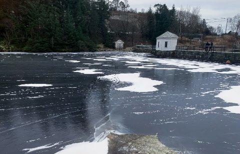 FARLIG: Eivindsvatnet er ikke trygt å gå på.