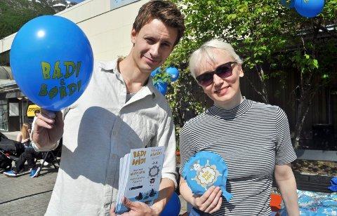 GRUNDERE: Aleksander Nordaas og Linda Skipnes Strand promoterte Bædi og Børdi i Mosjøen i sommer. Den tredje grunderen som står bak prosjektet er Helen Amundsen Hatlen.