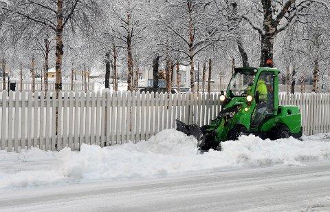 BRØYTING: Fra 15. desember har Vefsn kommune beredskap for brøyting, men så langt har det vært veldig lite snørydding denne vinteren.