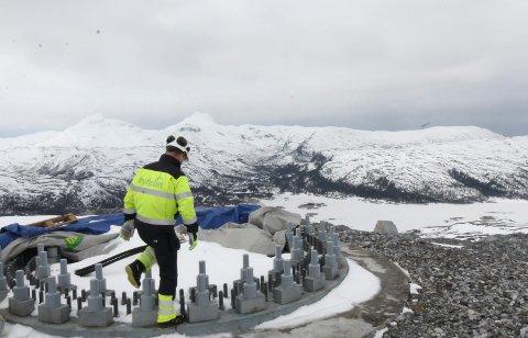 AVKASTNING TIL KOMMUNEN: Revidert nasjonalbudsjett varsler at det blir lokal skatt på vindkraftproduksjon fra årsskiftet. Bildet er fra Øyfjellet i Vefsn, hvor en av Norges største vindkraftparker er under bygging.