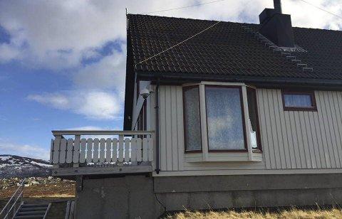 Ikke et vanlig hus: Dette ser ut som et vanlig hus, men det skal være et av flere ukjente amerikansk-norsk etterretningsanlegg i Finnmark.