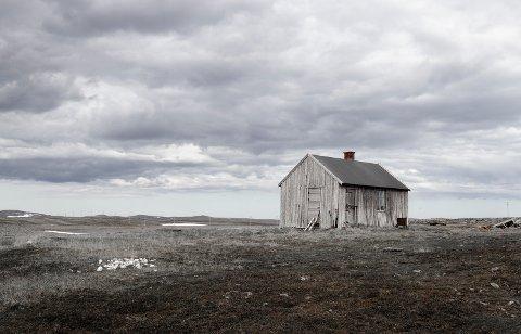 FOTOKUNST: Gunnarsson kommer fra Sverige, og hadde ingen problemer med verken kulde eller mørke når hun valgte å flytte til Finnmark. Hun forteller at naturen inspirerer henne. Bildet er tatt i Gamvik.