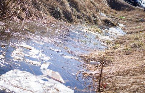 SØPPEL: Her er noe a avfallet ved Masternes Gjenvinning og Vadsø kommune i Vadsø