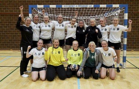 Slet seg til seier: Lagbilde av HIFs damelag, som fikk en god seriestart i 4. divisjon.alle foto: Svein-Ivar Pedersen