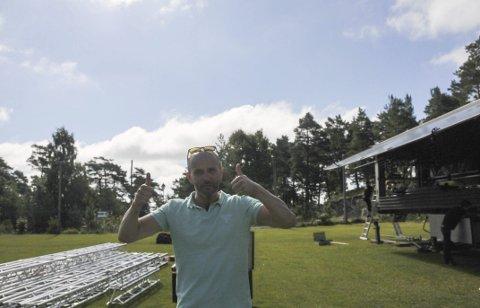 Startet: Festivalsjef Kurt Olsen ber folk som vil på Kragerø Live festival til helgen om å kjøpe billetter på forhånd..
