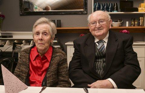STERKT:  Marta og Øyvind Røyrvik har klart det få andre klarer; å halda saman i ekteskapet i 70 år. Foto: Håvard Røyrvik