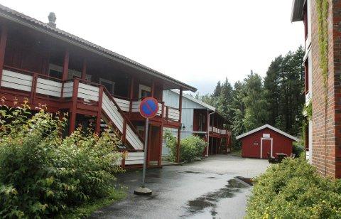 Her i Froghsvei på raumyr har det i flere år vært studentboliger. Fra september blir det midlertidige omsorgsboliger for eldre.