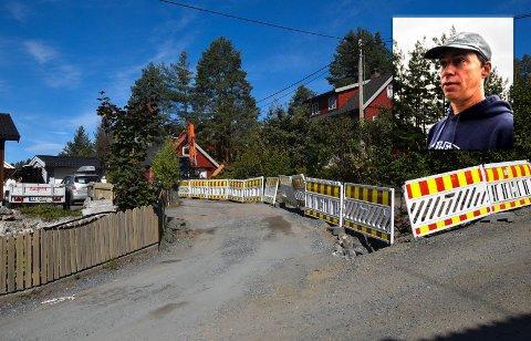 VEIARBEID: Slik så det ut i krysset i Falsens vei da arbeidet pågikk. Dette fikk Geir Lundheim til å tenke over hva som skjer dersom det oppstår en brannsituasjon. Bildet ble tatt 20. september.