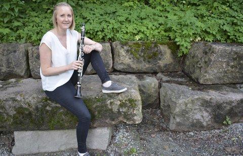 KLARINETTGLEDE: Maria Evensen (20) fra Nøste børstet støv av klarinetten og innkasserte en sterk 3. plass i Europamesterskapet for korps, sammen med Christiania Blåseensemble. Foto: Stein Styve