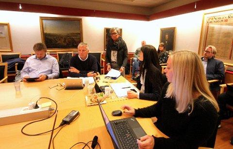 Ordføører Hanne Tollerud redegjorde for boten Moss kommune har fått. Det gjorde hun overfor tilstedeværende politikere i MISA-utvalgets møte (foto: Espen Vinje)