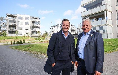 Går unna: Det gigantiske boligprosjektet på Sole i Vestby har solgt godt. Nå legges ytterligere 150 boliger i øvre prisnivå ut i markedet. Daglig leder Nikolas Kyris og styreleder Olav Breivik (t.h.) i utbyggingsselskapet Såner Invest ser lyst på fremtiden.
