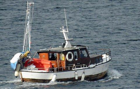 SAVNET: Denne båten ble sist observert nord av Stjernøya mandag morgen.