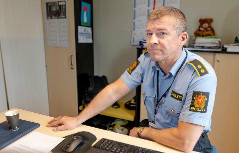 AKSJON: Ståle Luther, leder for Felles etterforskningsseksjon ved Troms politidistrikt, sier de gikk til aksjon mot skolen i forkant av russetiden.