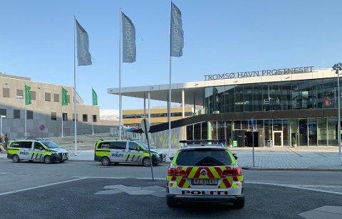 VOLD: Politiet rykket ut til Havneterminalen i Tromsø 26. april i fjor. En 66 år gammel mann ble pågrepet. Nå er han dømt til betinget fengsel for vold og besittelse av hasj.