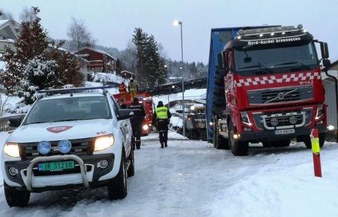 BRANN I ENEBOLIG: Huset i Moavegen i Fagernes er totalskadet etter brannen natt til søndag.