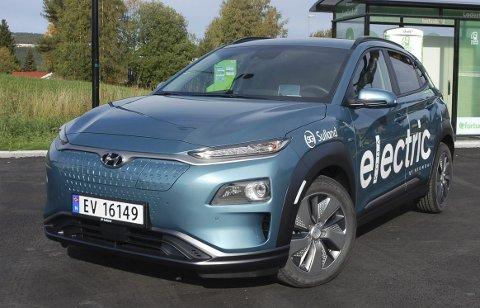 SEILER OPP: Hyundai ligger nå bare fire biler bak Audi i Vestoppland. Her deres bestselger Kona Electric.FOTO: ØYVIN SØRAA
