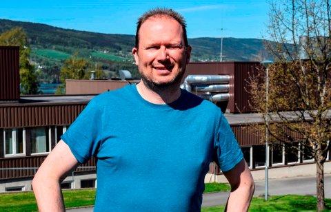 BLIR REKTOR: Kjetil Folde (47) er  historien om en tidligere barne- og ungdomsarbeider og assistent som nå blir rektor.