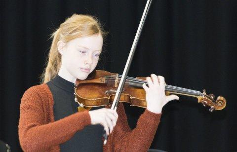 Dyktig: På kort tid har Rebecca N Isaksen markert seg som en veldig dyktig og lovende fiolinist.