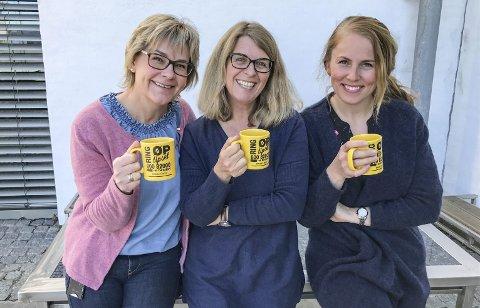 Styrkedrikk: ØP-journalistene Inger Lene O. Steen (t.v.), Kjersti Bache og Sigrid Ringnes nyter både kaffe og samvær.