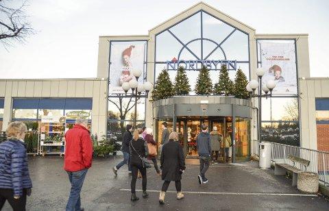SMITTE: Larvik kommune ber nå alle som var innom klesbutikken Match på Nordbyen fredag melder seg for testing.