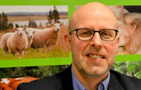 HARM: - Skammelig. Det mener leder Erling Aas-Eng i Hedmark Bondelag om at bønder i Rendalen blir nektet sammen kompensasjon som Hadeland-bønder etter ulveangrep.