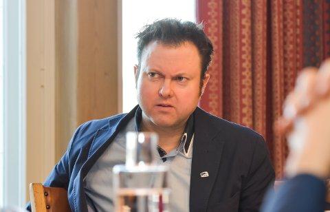 FRYKTER: Yngve Sætre (H) frykter at Hamar-politikerne vil legge mulighetene for direktetog til Oslo dødt.