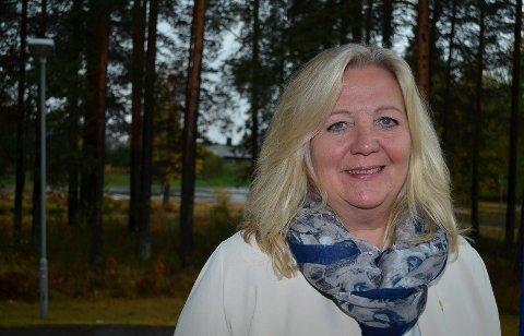 VIL SE PÅ TOMTA: Elverum-ordfører Lillian Skjærvik (Ap) og resten av formannskapet vil onsdag selv se hvordan forholdene på Jegertomta på Vestad er.