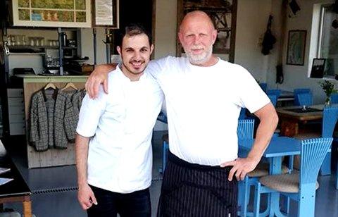 Rune Studsrød og medhjelperen Daniel serverte mange denne sommeren.