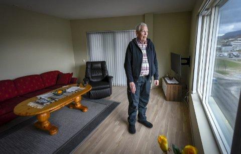 VARME I GULVENE: Nils Skaland kjøpte seg leilighet til 4 millioner kroner, men greier ikke å være der, fordi han ikke får justert varme og ventilasjon.