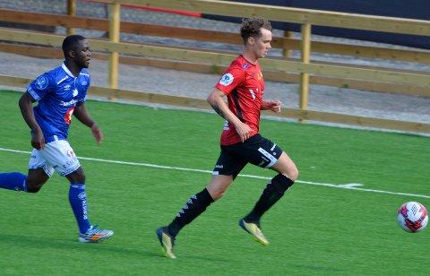 Joachim Olufsen, Stjørdals/Blink, gjør det godt på venstrebackplass for tiden. Søndag er det ny seriekamp hjemme mot Grorud.