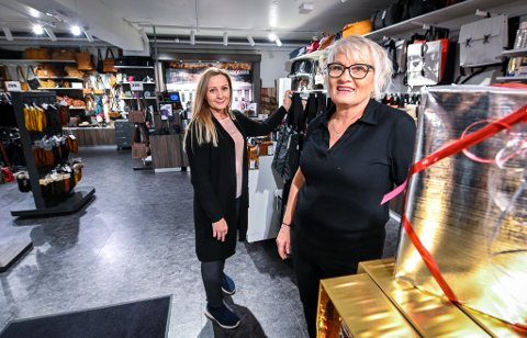 Kine Bjørkmo (f.v) ved Bagorama og butikksjef ved Skin Tonic, Ragnhild Karstensen jobber nå inne i samme lokale.