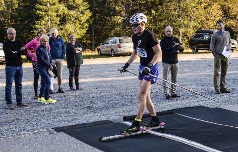 Eirik Sverdrup Augdal er i rute foran den komme skisesongen. Mandag kveld var han suverent raskest i Ringkollrullen.