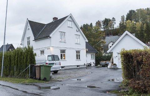 Hønefoss: Bloms gate 30 er solgt for 7,9 millioner kroner fra Ann-Kristin Utengen og Runar Slålien til Anne Ulseth-Todal og Jan Edvard Todal. Foto: Frode Johansen