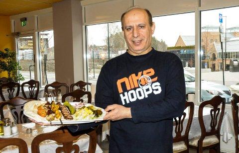 RESTAURANTEIER: Issam Kadhem (56) har oppfylt en drøm han har hattt lenge. - Endelig har jeg restaurant.