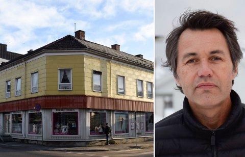 BLIR STÅENDE: Det vil ikke bli gjort noe med Skøiengården, fastslår gårdeier Sindre Lafton etter formannskapets vedtak.