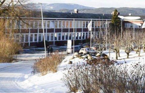 INTERNAT: Til sammen fem Tyrifjord-elever har nå fått påvist smitte: Tre fra Hole, én fra Ringerike og én internatelev fra en annen kommune i landet.