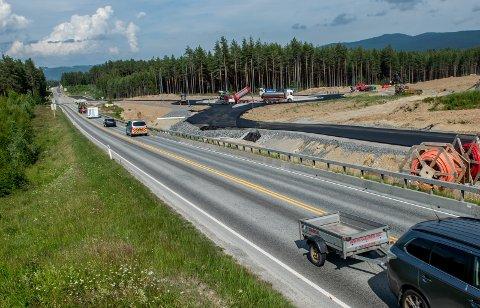 NY RUNDKJØRING: I neste uke skal all trafikken gå på ny vei, gjennom rundkjøringen på Eggemoen.