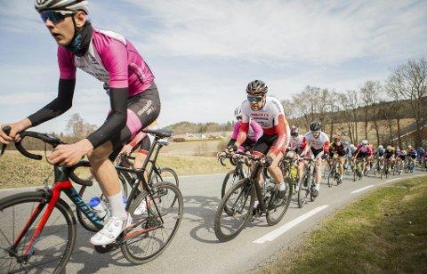 I TOPPEN: Lars Gardsteig Fæhn gjorde et bra ritt på fellesstarten i junior-NM på sykkel.