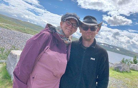 TURISTER: Jeanette Vatsend og Vegard Michalsen endret planene da de ikke kunne reise utenlands.