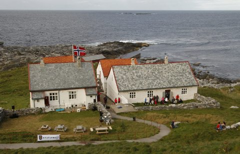 1767: Åtte millioner kroner har Kystverket brukt på å restaurere den gamle fyrstasjonen til 250-årsjubileet.