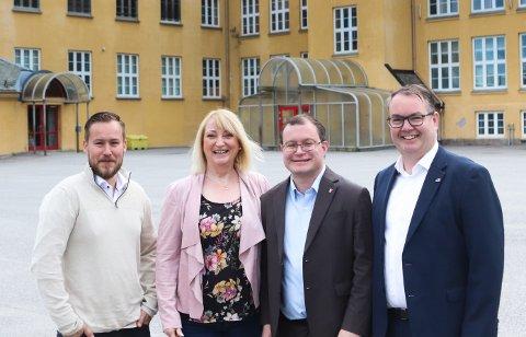FORNØYDE: Glenn Nerdal (t.v.), Lisbeth Gamre Skulstad, Boye Bjerkholt og Kjartan Berland er alle fornøyde med regjeringens bidrag.