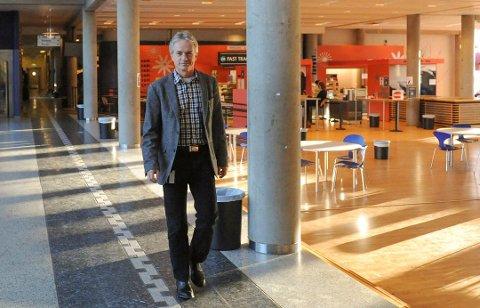 ÅRVÅKEN: Rektor Harald Møller på SVGS sier de ansatte er informert om skytetruslene.