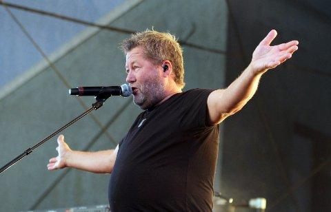 DDE og vokalist Bjarne Brøndbo skal i utgangspunktet spille konsert på Riska i sommer. Her er han avbildet i Vågen etter Blinkfestivalen i august 2019. Da møtte over 11.000 frem på gratiskonserten.