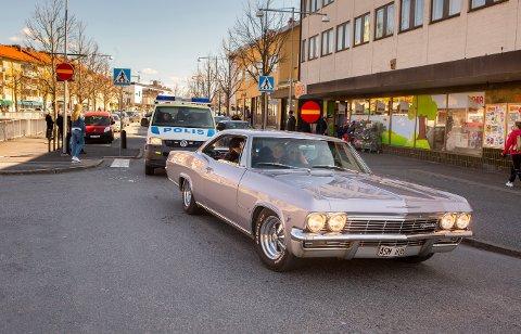 Innbyggerne i Strömstad savnet de norske rånerne så mye at de stelte i stand sin egen parade gjennom grensebyen.