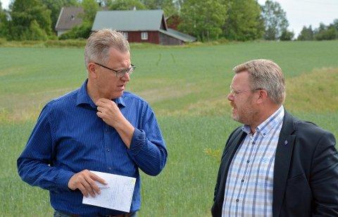 Thor Hals og Erik Unaas mener verdiene som er skapt i Østfold må beholdes i Østfold og at Østfold fylkeskommunes eierandel i Østfold Energi derfor må overføres til kommunene i fylket før fylkeskommunen går inn i den nye Viken-regionen. 11 Østfold-ordførere er enig med ham.