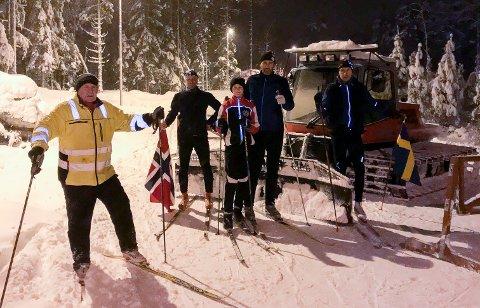 HIT, MEN IKKE LENGER: De svenske løperne klager ikke, selv om de ikke får lov til å gå inn på norsk side: Thore Berglund (f.v.), Tommy Sjöstedt, Emelie Gruvborg, Daniel Gruvborg, Thomas Berglund.