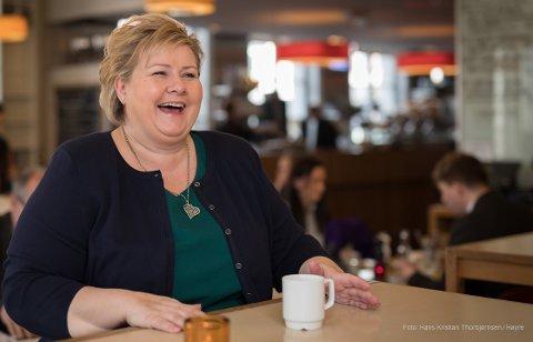 KAFFI OG PRAT: Erna Solberg kjem til Sogndal for kaffi og ein prat med sogningar.