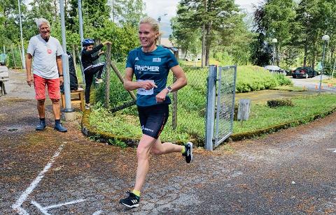 VEL EIN TIME: Yvonne Smith frå Stavanger var raskaste kvinne i Randøy Rundt.